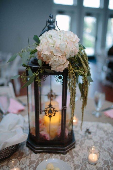 Hurricane lamp for wedding