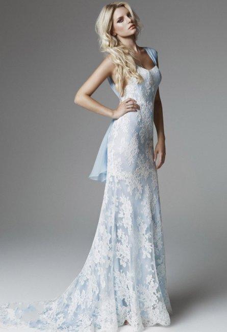 Платье невесты для свадьбы в небесно-голубом цвете