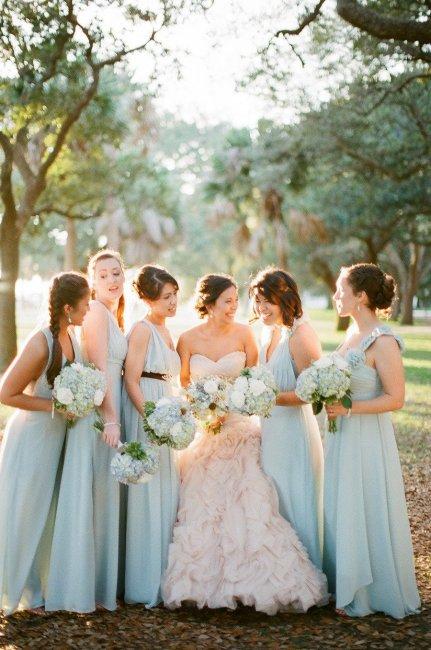 Наряды для свадьбы в небесно-голубом цвете