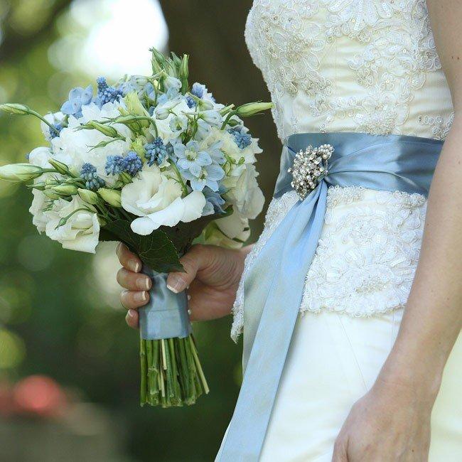 Букет невесты в небесно-голубом цвете