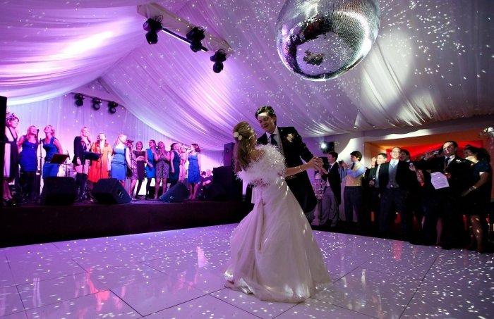 фото невесты переодеваются