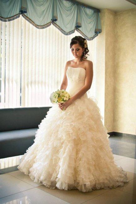 Свадебное платье цвет шампанского