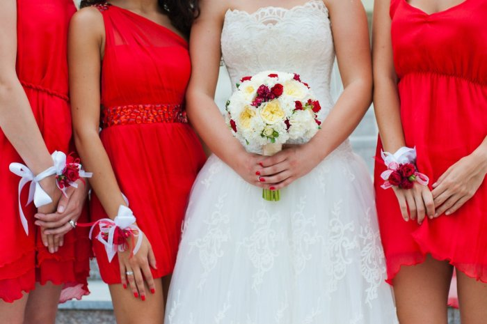 Нежные браслеты для цветной свадьбы