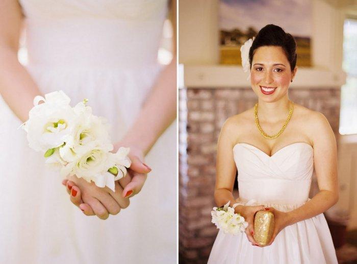Браслет из цветов для невесты