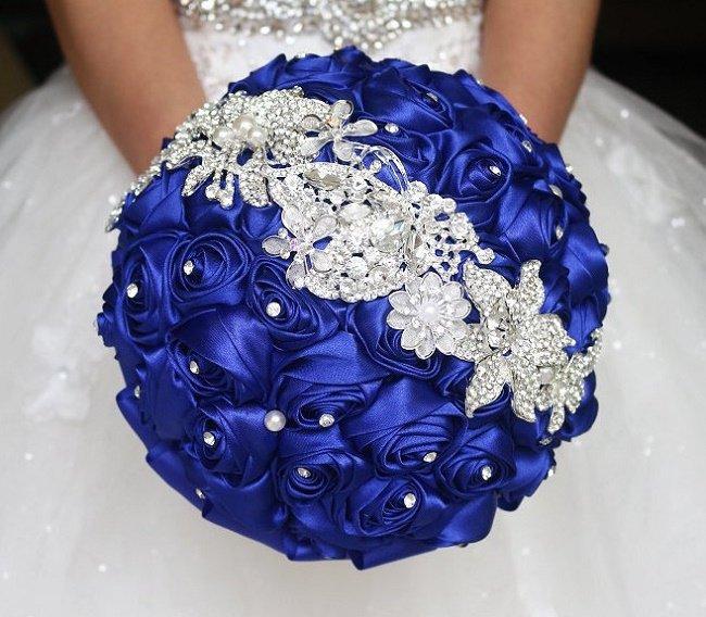 Букет свадебный из атласных лент