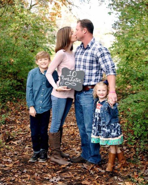 Семейная фотосессия спустя 10 лет со дня свадьбы