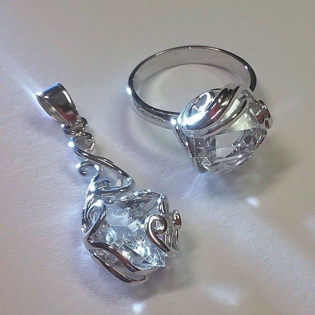 Украшения с алмазами на алмазную свадьбу