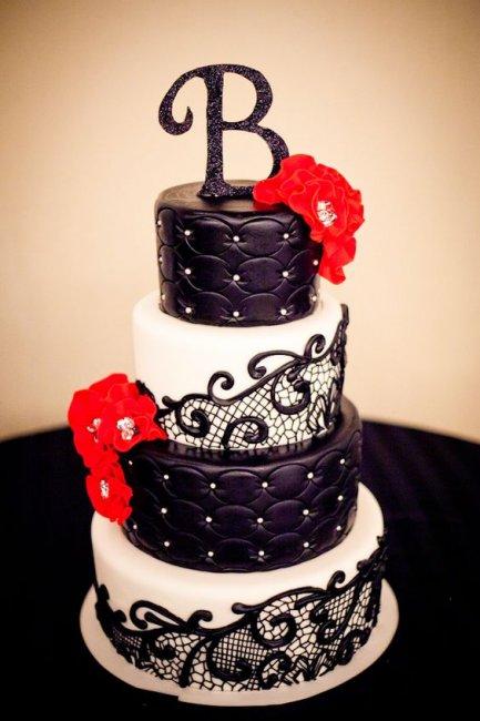 Торт с кожаным декором