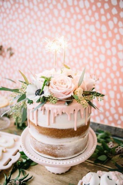 Торт со свечами на восковую свадьбу