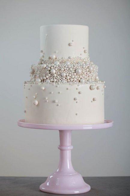 Торт с жемчужным декором