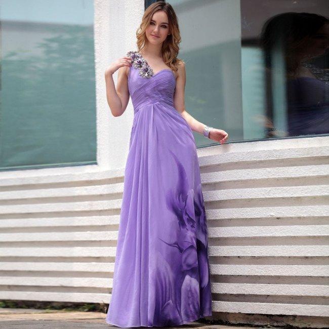 Невеста - нежный цветок в сиреневом платье