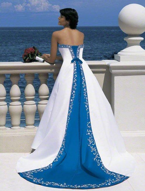 Бело-синее свадебное платье