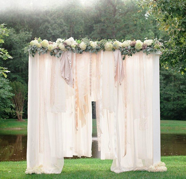 Стильная свадебная арка