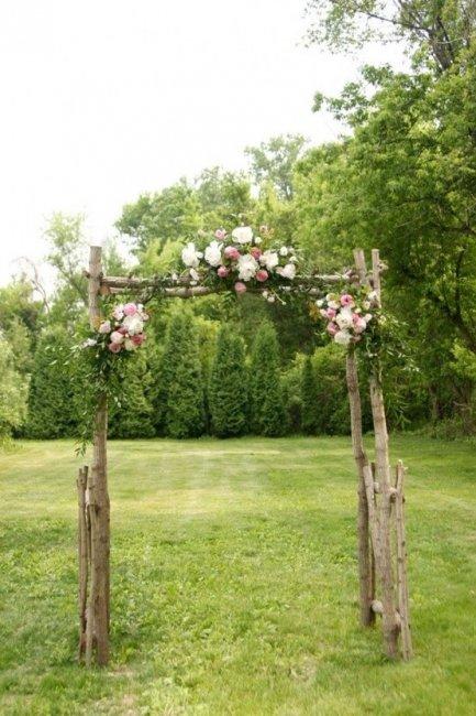 Цветы в декоре арки