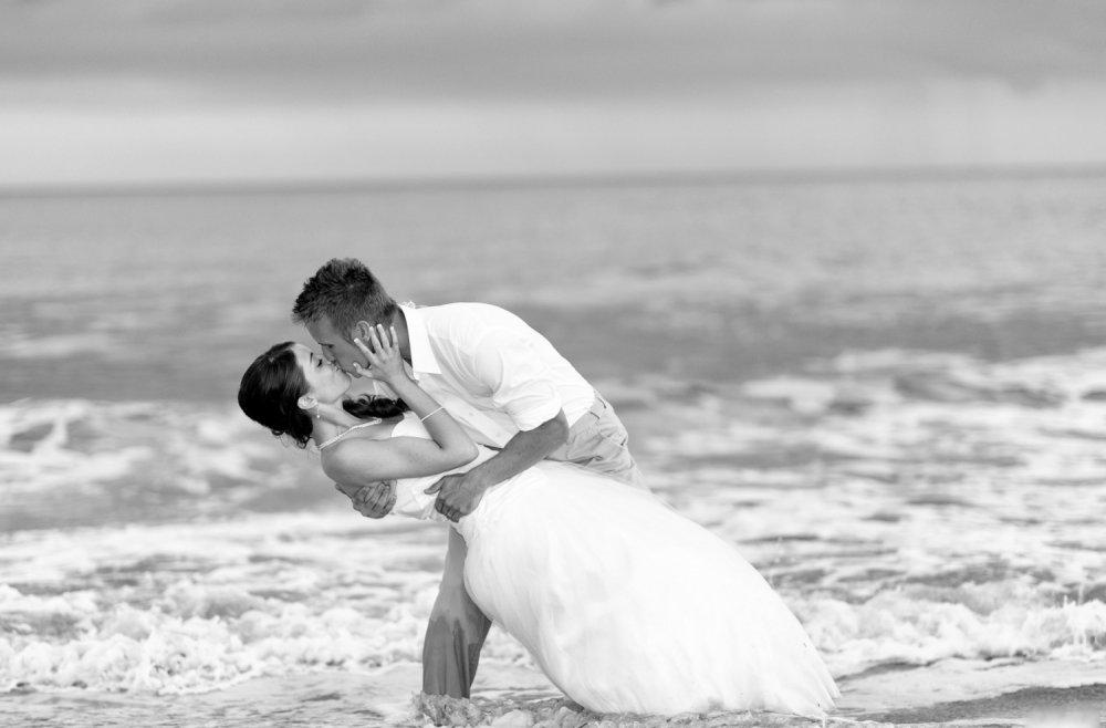 Свадебная фотосессия на берегу