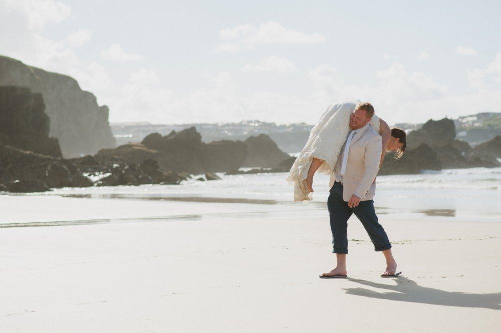 Смешная фотосессия на пляже