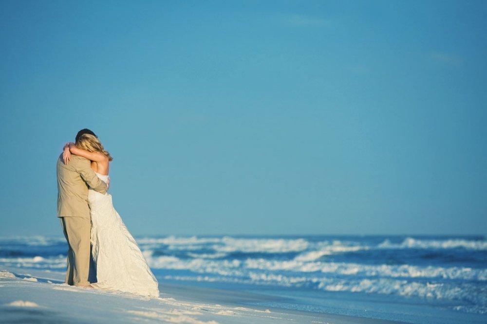 Трогательное фото на пляже