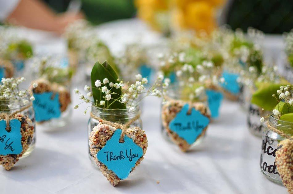 Недорогие подарки гостям на свадьбе 74