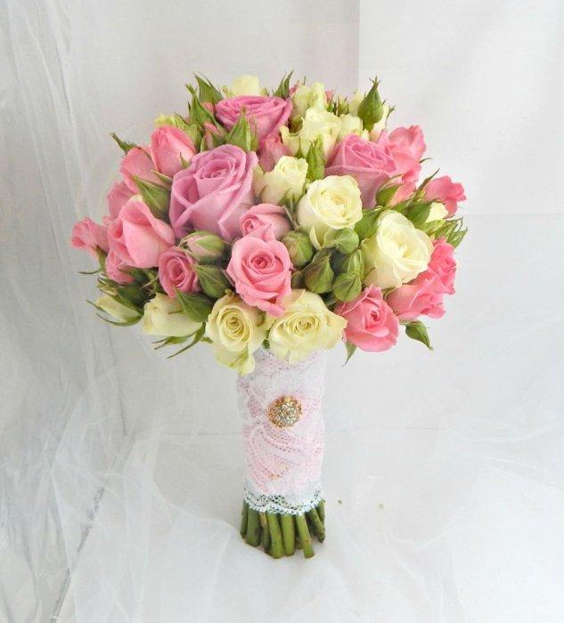 Свадебные букеты из кустовых роз