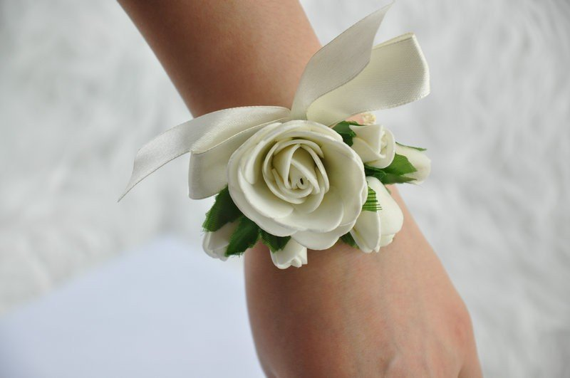 Как сделать браслет из искусственных цветов своими руками