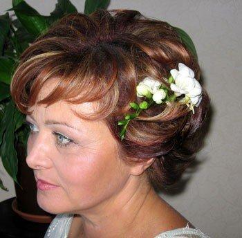 Фото прически на короткие волосы на свадьбу для мамы невесты