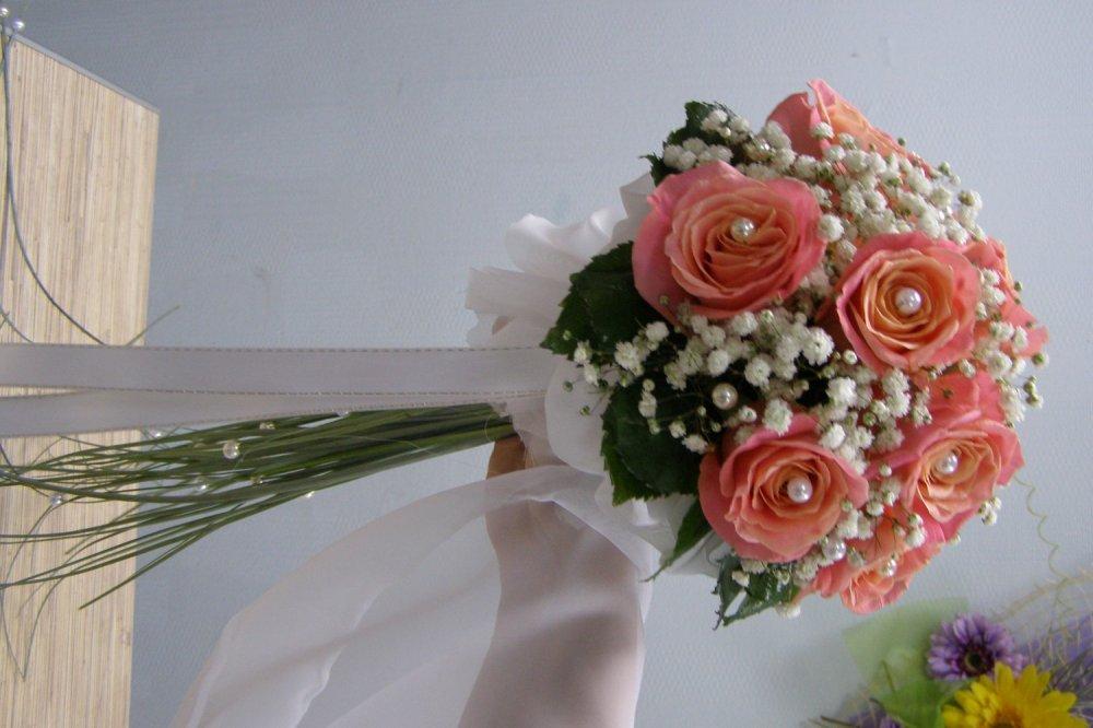 Необычные букеты на свадьбу от гостей