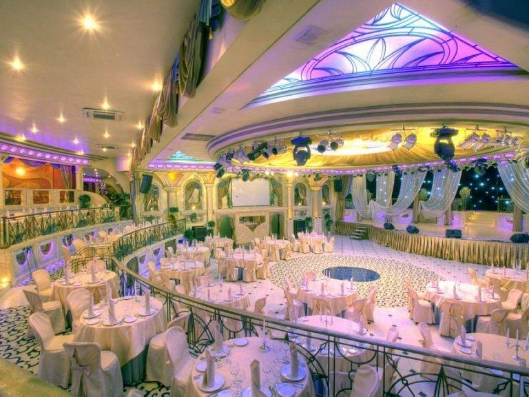 Самый красивые банкетные залы для свадеб