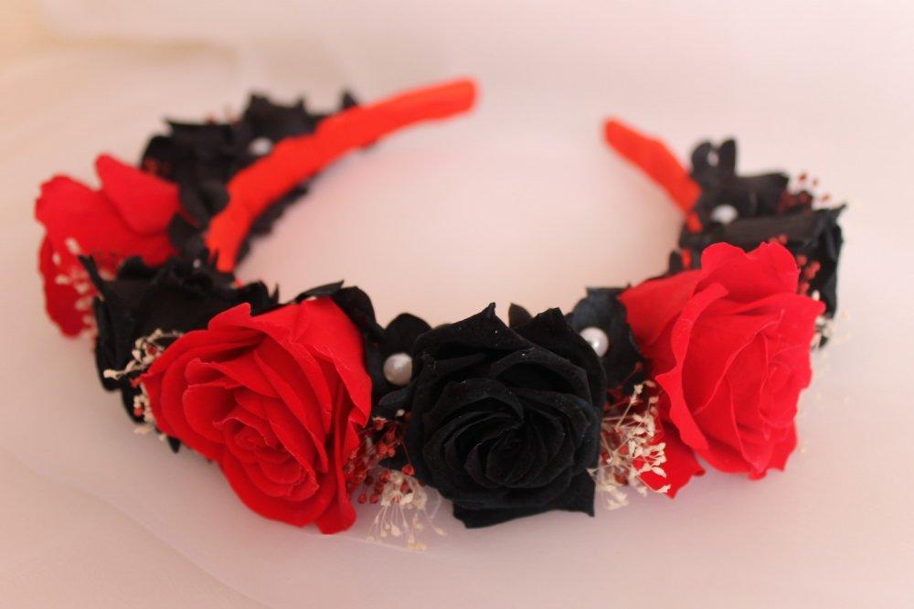 Ободок из красных роз своими руками