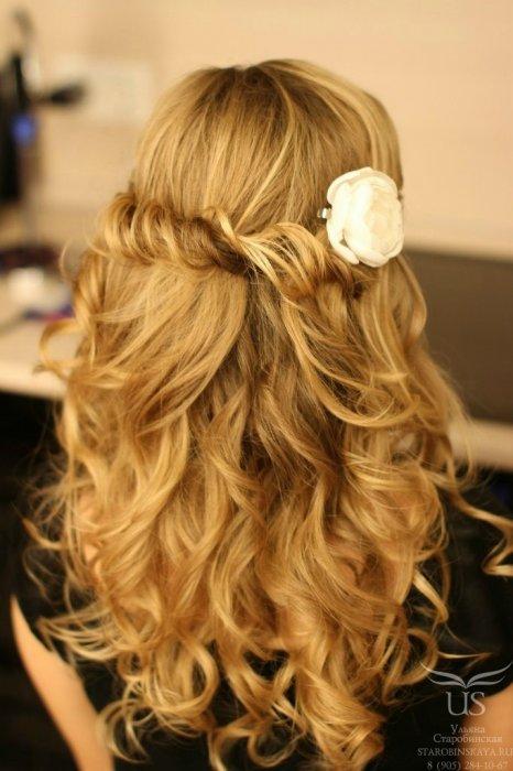 Как сделать цветок из волос с локонами