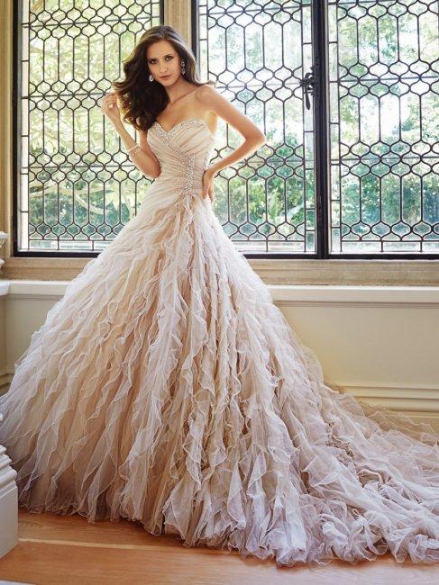 9960ba35deb Платье в пастельных тонах – элегантная альтернатива классике