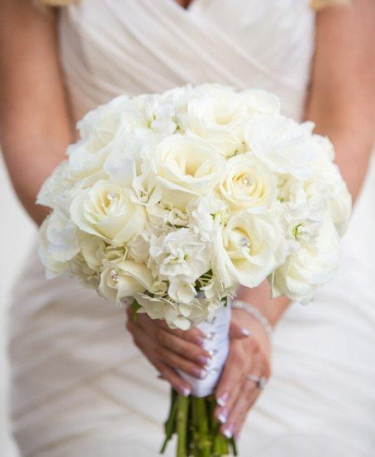 Свадебные букеты к платью айвори