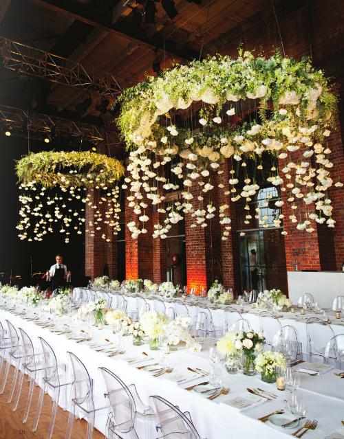 Декор потолка на свадьбе