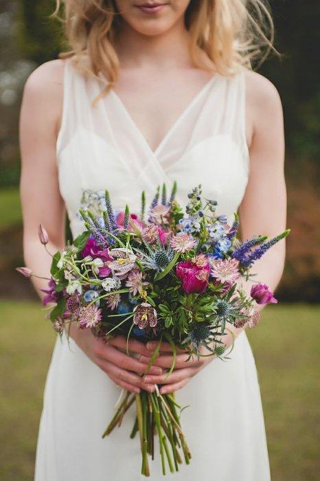 Свадебный букет невесты из полевых цветов 98