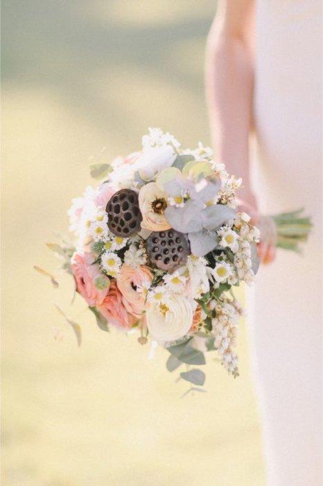 Свадебный букет из лотосов фото, цветы низкие цены