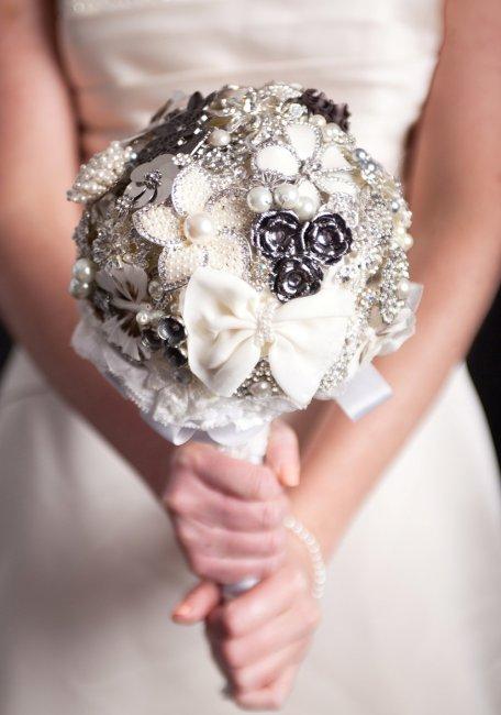 Что делают с букетом невесты на серебряную свадьбу оранжереи украина купить цветы