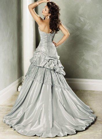 ce0a513b389 Что означает цвет свадебного платья