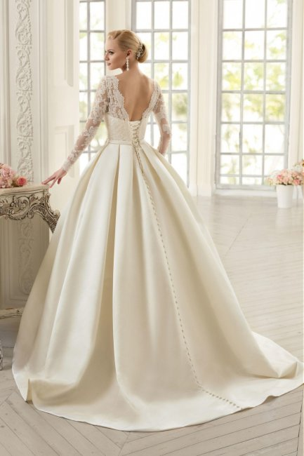 Свадебное платье с атласной  фото