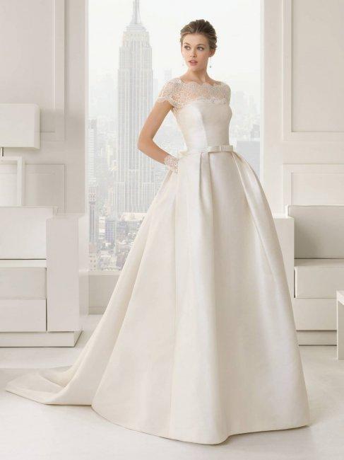 Атласное свадебное платье мнется