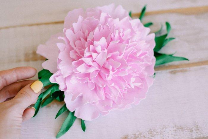 Очаровательный розовый пион ручной работы