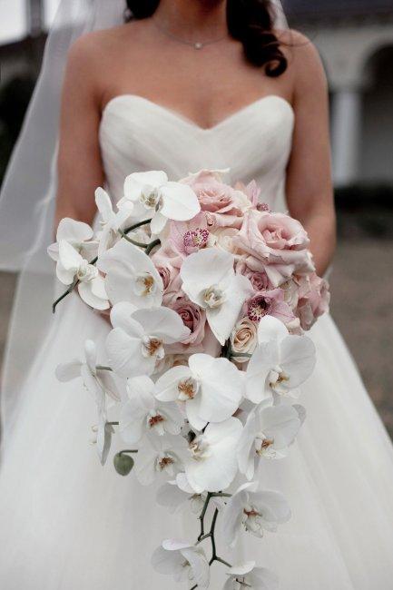 Как выбрать свадебный букет невесты?   Прическа и макияж   650x433