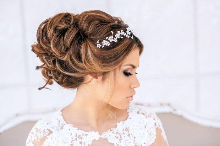 Свадебные прически с челкой 2017