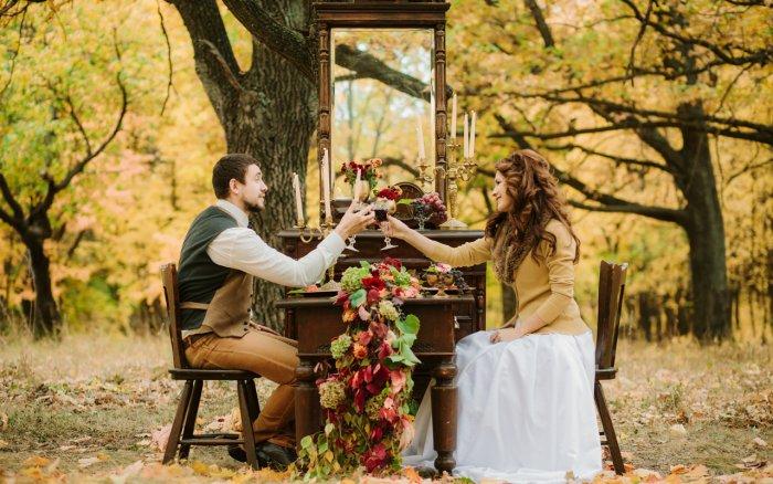 Деревянная свадьба в лесу