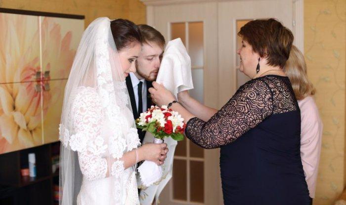 Поздравления молодоженам родителями после загса