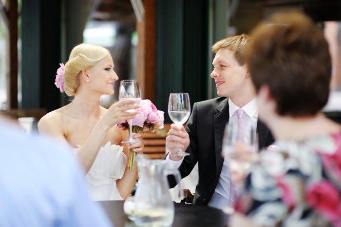 Свадебные тосты и поздравления от друзей