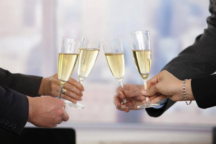 Изображение - С серебряной свадьбой поздравления своими словами 25040.700x466.1506232199