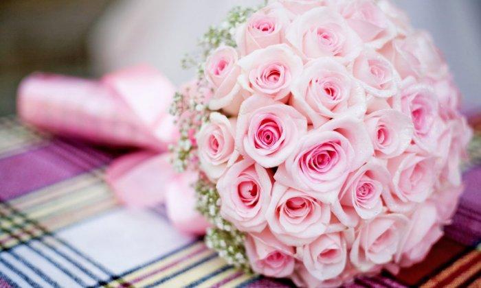 Простой букет невесты из роз букета