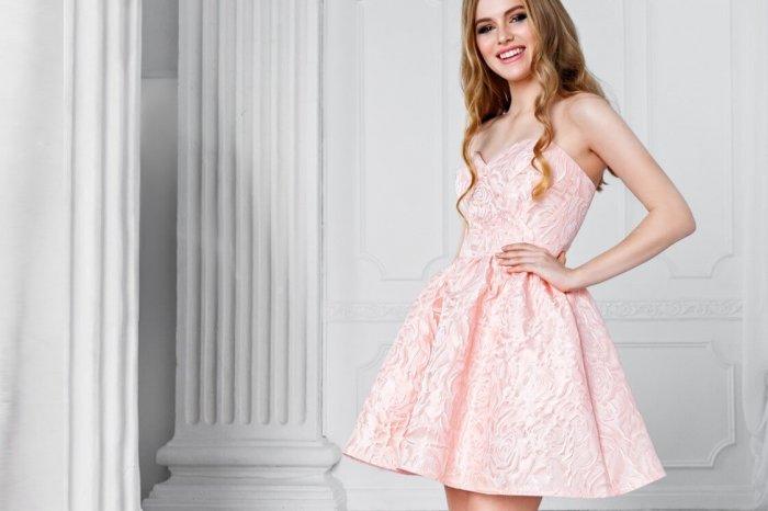 dedf9a26756 Коктейльные платья на свадьбу  выбираем эффектный наряд (фото)