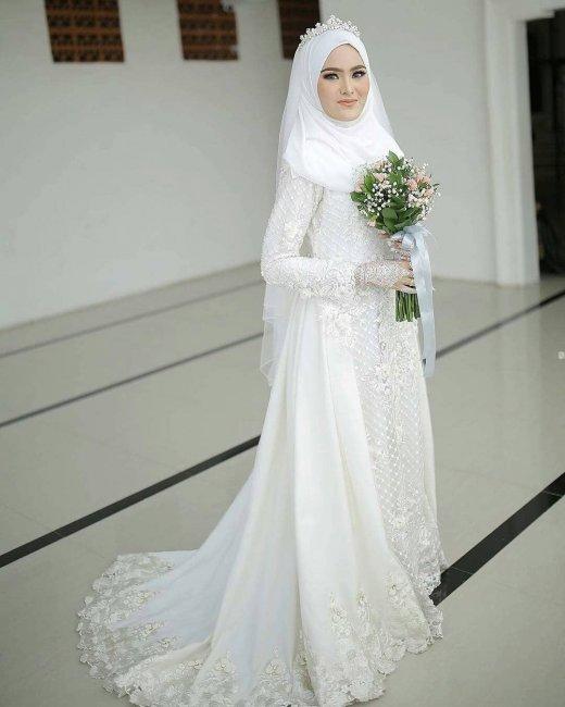 02485df82b0204b Мусульманские свадебные платья: фасоны, цвет и аксессуары (фото)