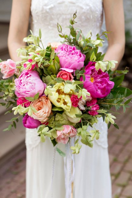 Свадебный букет греческий стиль пионы, свадебное