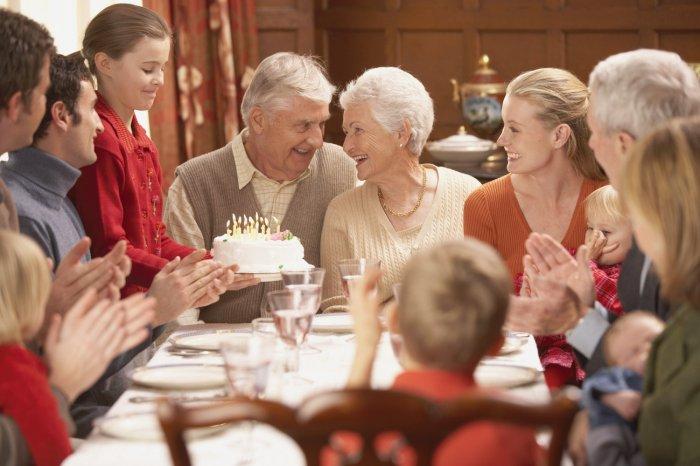 Стихотворные поздравления бабушке и дедушке от внуков